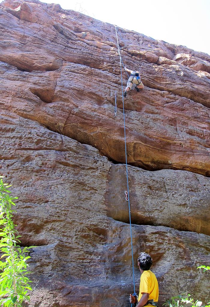 Climbng_guide_badami